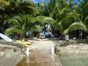 The entrance to Tom Owen's Caye