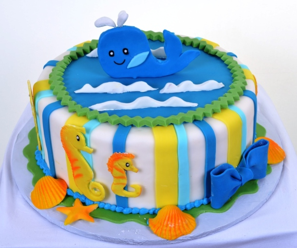 Please send all marine-themed birthday cakes to UNdertheC headquarters. Image from http://pastrypalacelv.com/609-blue-whale-birthday/