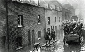 The 1928 London Flood and the World's First StormSurge